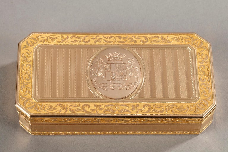 Large French Gold Snuffbox In Good Condition For Sale In Paris, FR