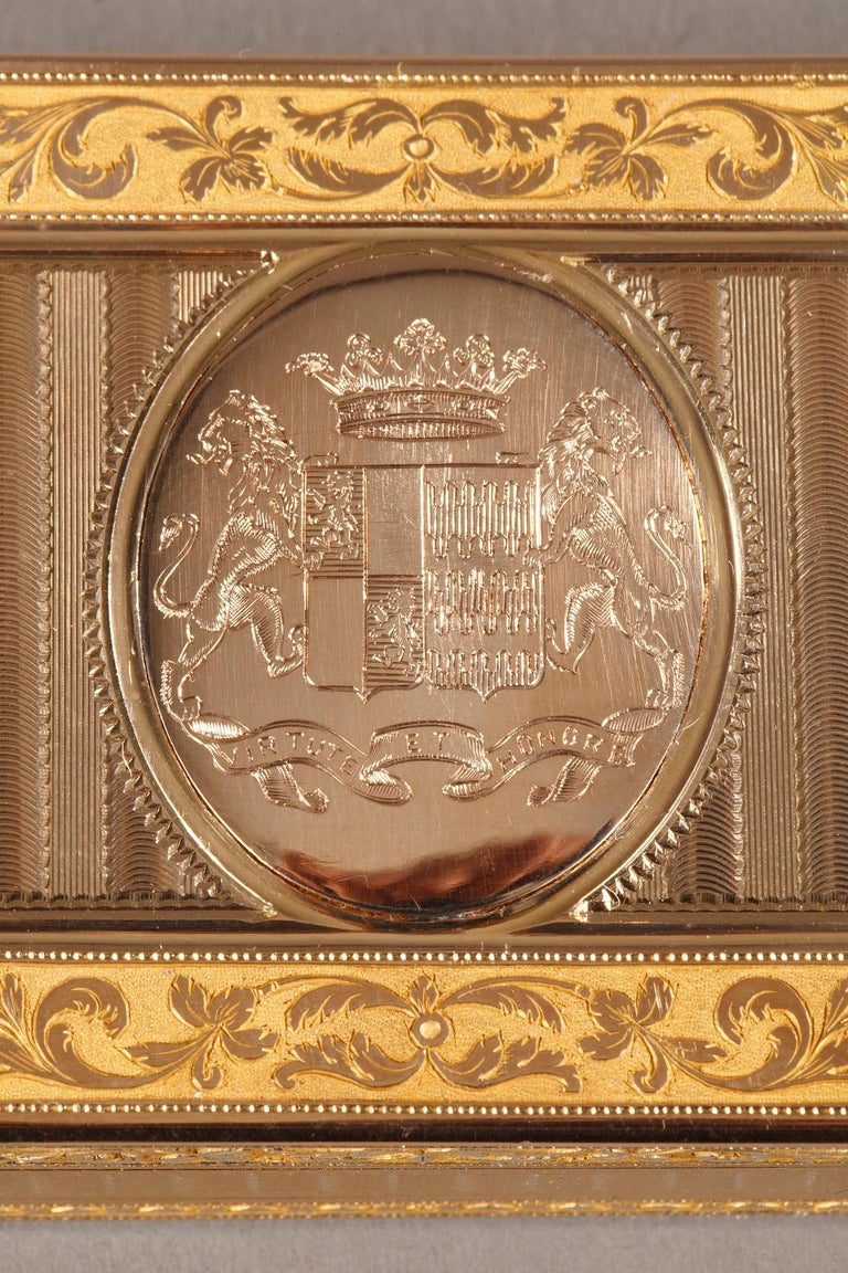18th Century Large French Gold Snuffbox For Sale