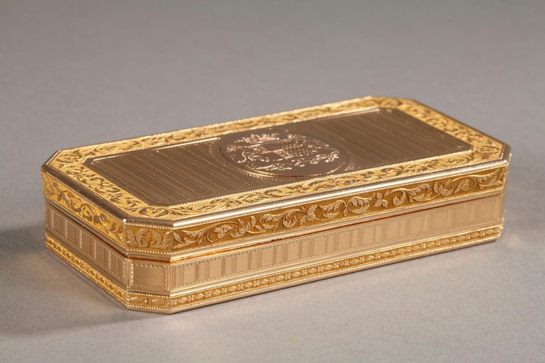 Large French Gold Snuffbox For Sale 2