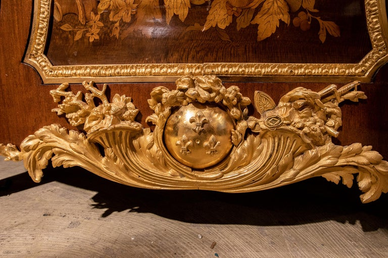 Large French Louis XVI Style Armorial Commode For Sale 4