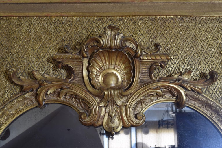 Large French Regence Style Carved Giltwood and Gilt-Gesso Mirror, 3rdq 19th cen. For Sale 2
