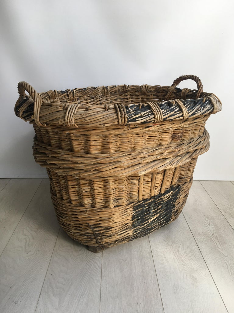 Mid-20th Century Large French Vineyard Champagne Wicker Basket For Sale