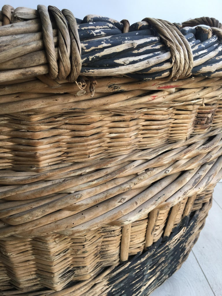 Large French Vineyard Champagne Wicker Basket For Sale 2