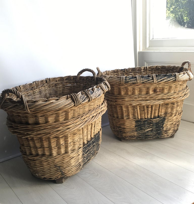 Large French Vineyard Champagne Wicker Basket For Sale 3