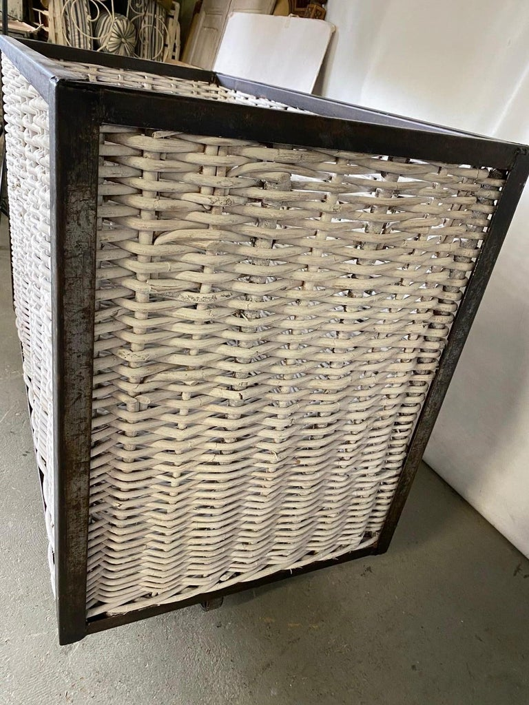 Large French Wicker Laundry Cart For Sale 2