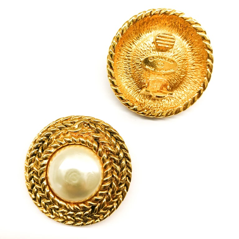 Large gilt metal and baroque pearl 'Double C' earrings, Chanel, 1980s For Sale 1