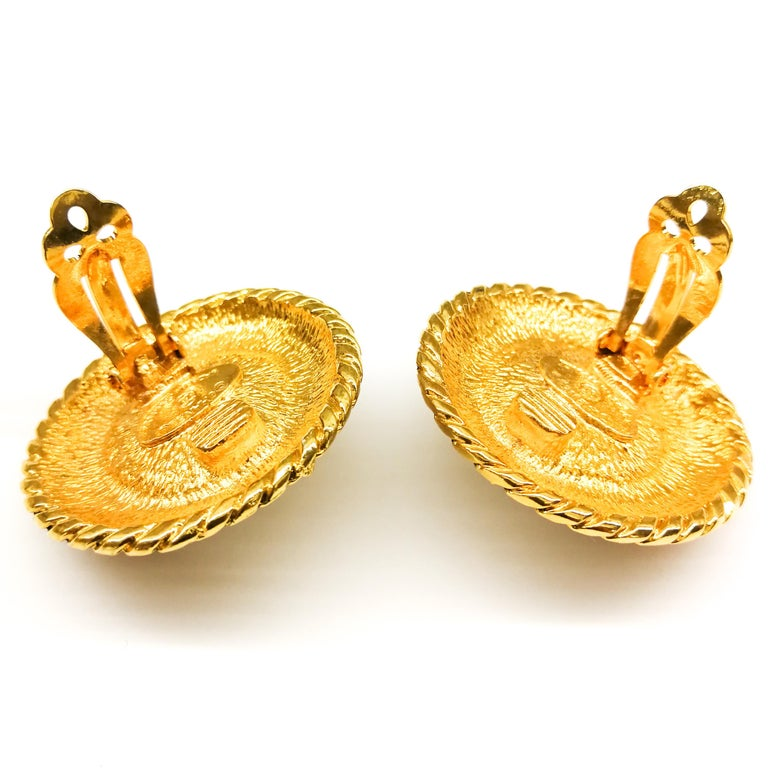Large gilt metal and baroque pearl 'Double C' earrings, Chanel, 1980s For Sale 2