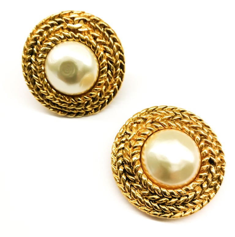 Large gilt metal and baroque pearl 'Double C' earrings, Chanel, 1980s For Sale 3