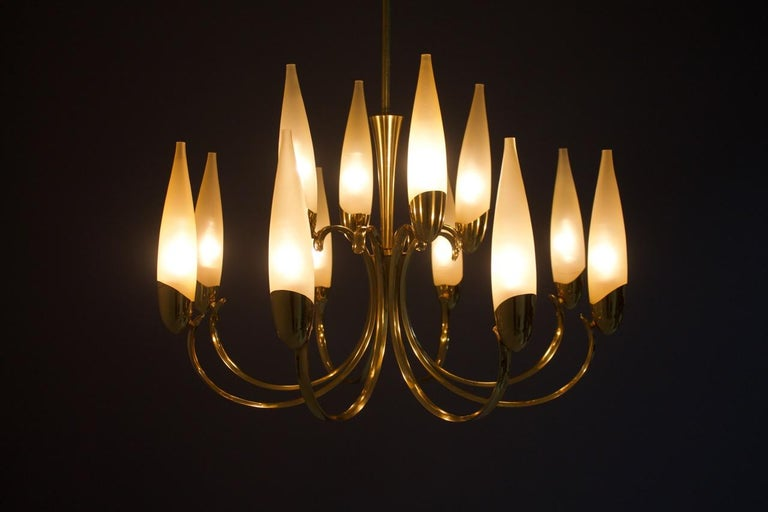 Beautiful glass and brass chandelier attributed to Ernest Igl for Hillebrand, Germany 1950.
