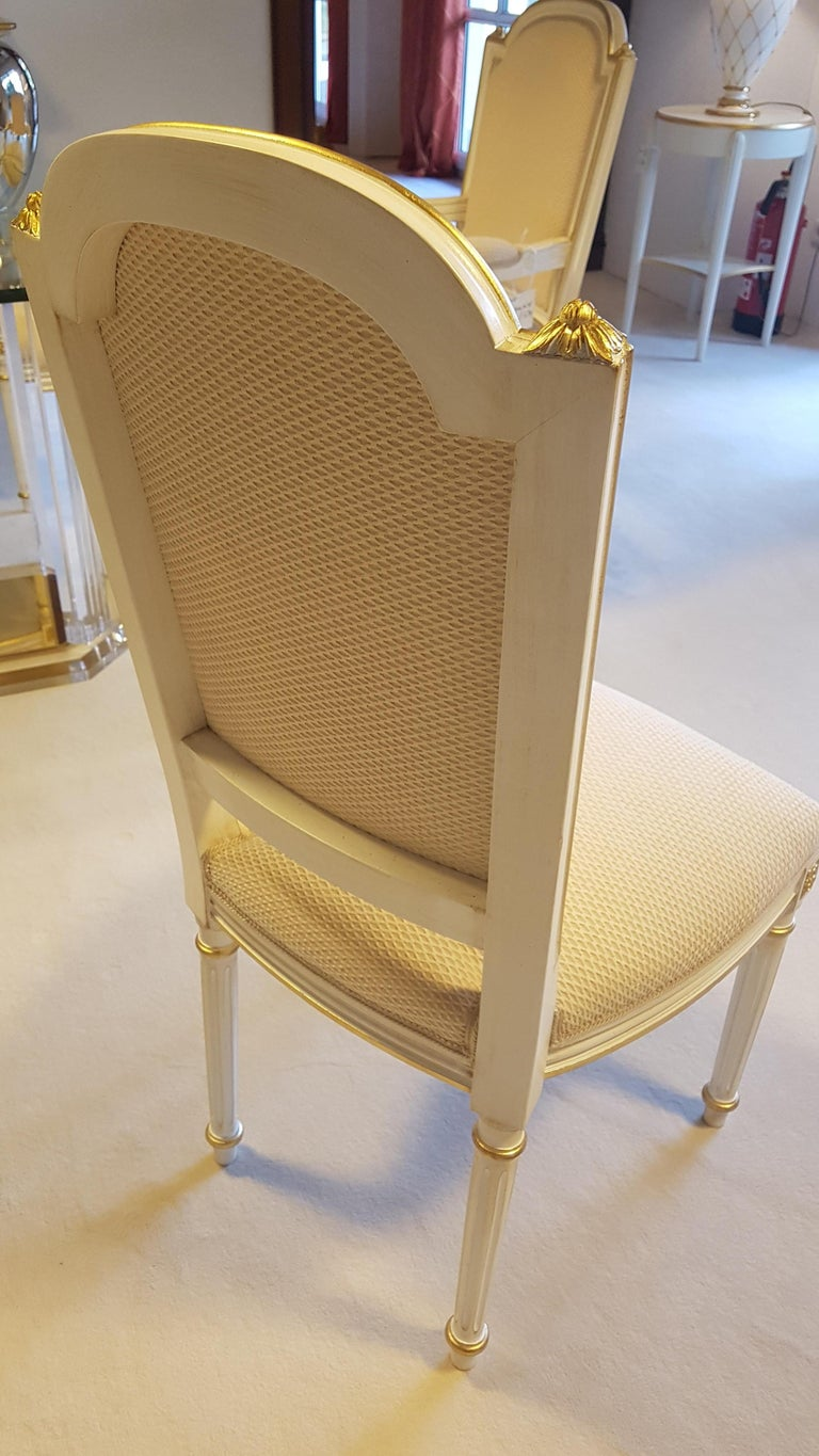 Large Glass Dining Room Set with White and Gold Stooling For Sale 4