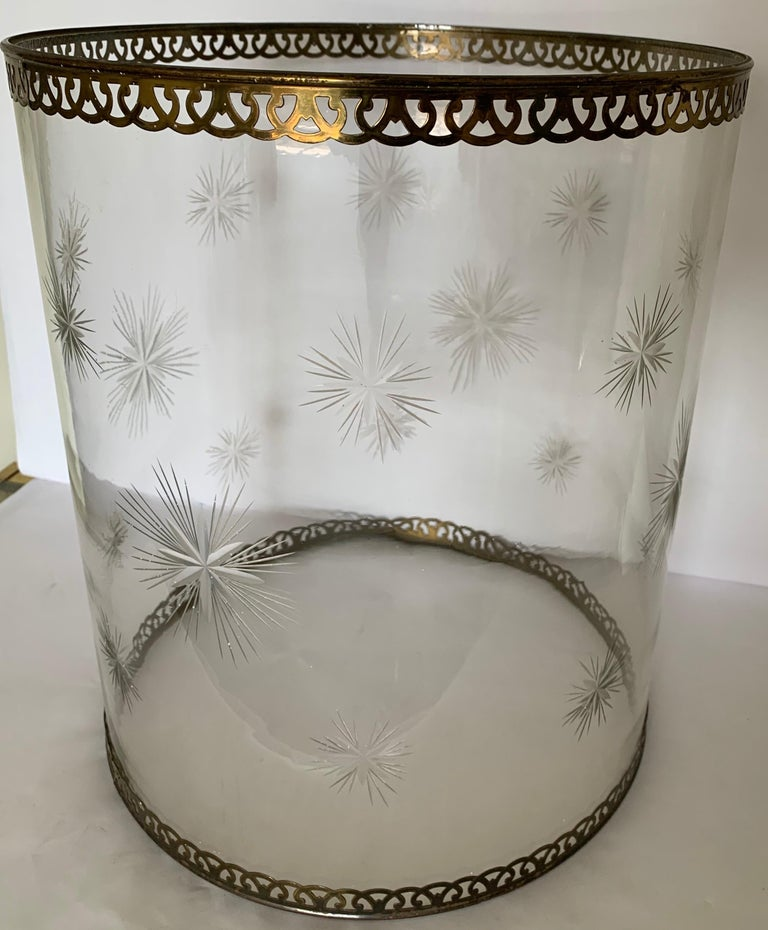 Hollywood Regency Etched Star Glass Hurricane For Sale