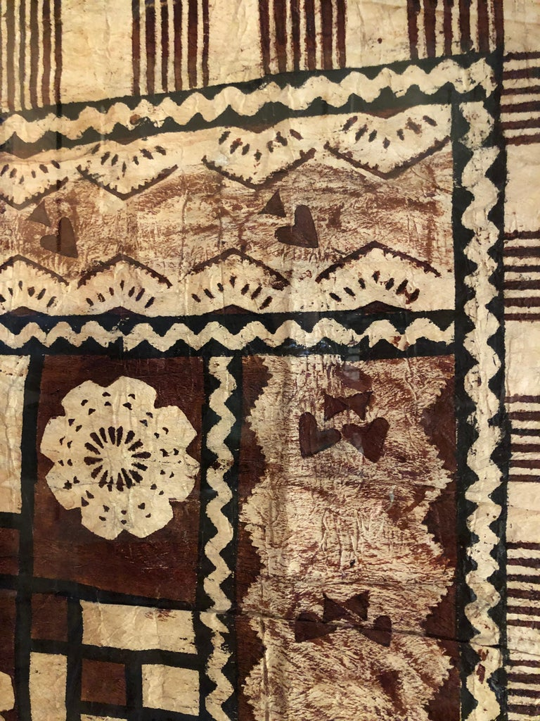 Large Graphic African Bark Cloth Painting In Excellent Condition For Sale In Hopewell, NJ