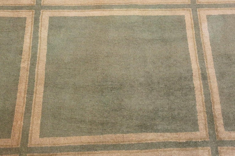 Large Green Antique Spanish Savonnerie Carpet. Size: 15 ft 6 in x 19 ft In Good Condition For Sale In New York, NY