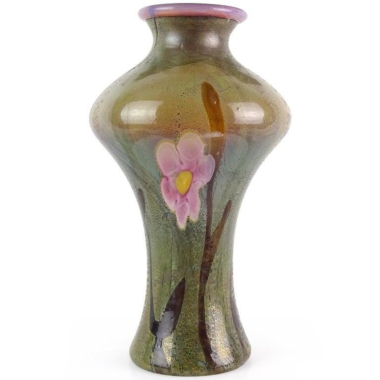 Mid-Century Modern Large Green Pink Opalescent Chalcedony Flower Italian Art Glass Centerpiece Vase For Sale