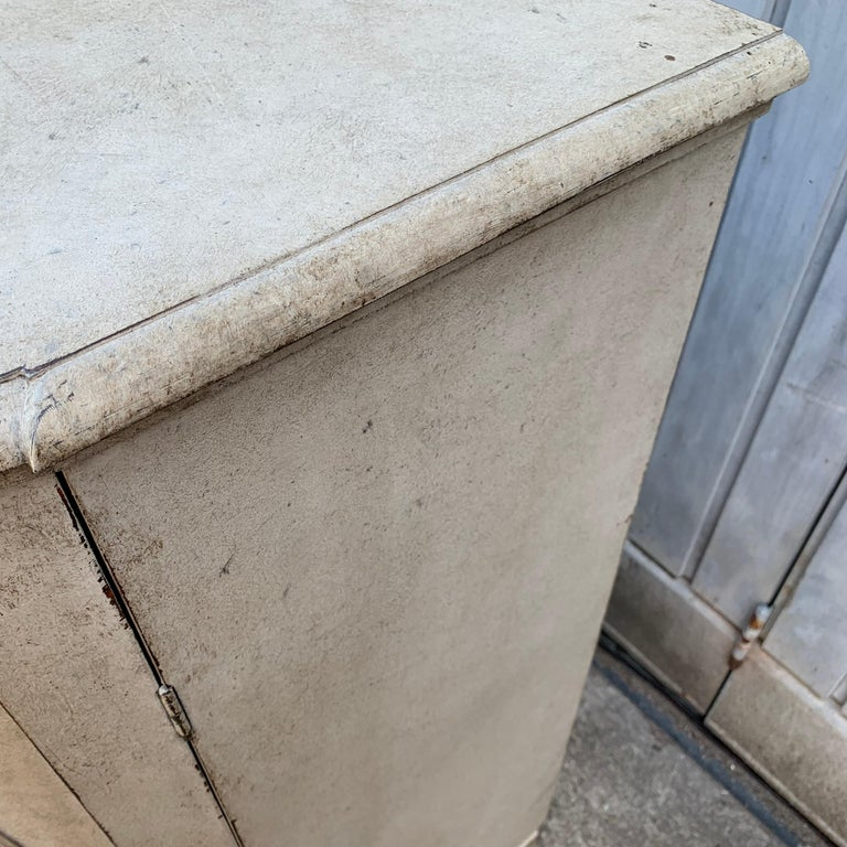 Large Gustavian Carved And Gray Painted Wood Sideboard Buffet For Sale 10
