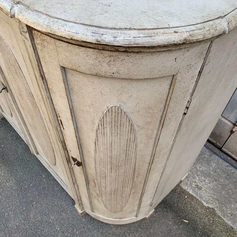Large Gustavian Carved And Gray Painted Wood Sideboard Buffet For Sale 12