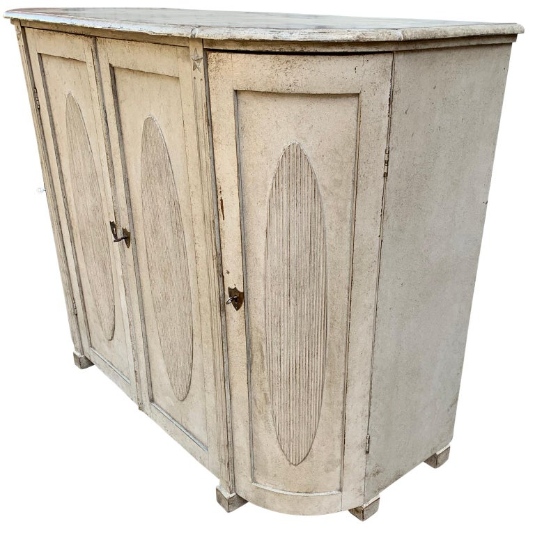 Large Gustavian Carved And Gray Painted Wood Sideboard Buffet In Good Condition For Sale In Haddonfield, NJ