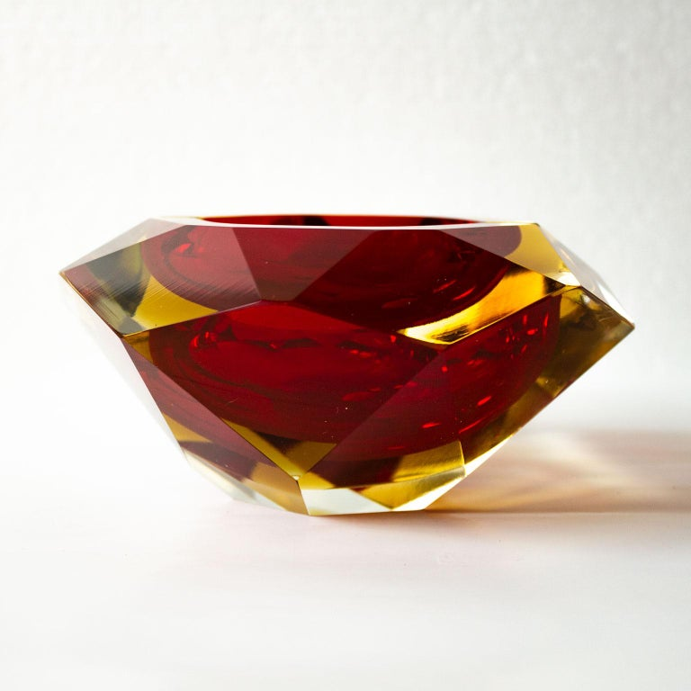 Large, Heavy Flavio Poli Sommerso Murano Ashtray 1950s Faceted Red Blue Glass In Good Condition For Sale In Stockholm, SE