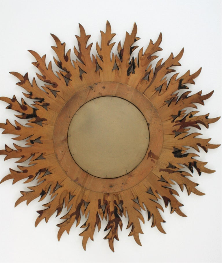 Large Hollywood Regency Carved Giltwood Round Sunburst Mirror, Spain, 1960s For Sale 8