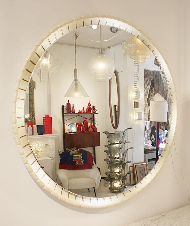 Large Illuminated Italian Wooden Mirror, circa 1940s In Fair Condition For Sale In Brussels, BE