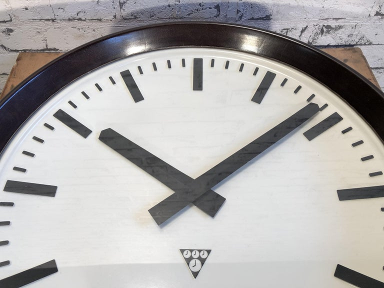 Large Industrial Bakelite Factory Wall Clock from Pragotron, 1960s For Sale 2
