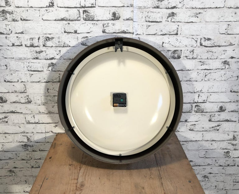 Large Industrial Bakelite Factory Wall Clock from Pragotron, 1960s For Sale 3