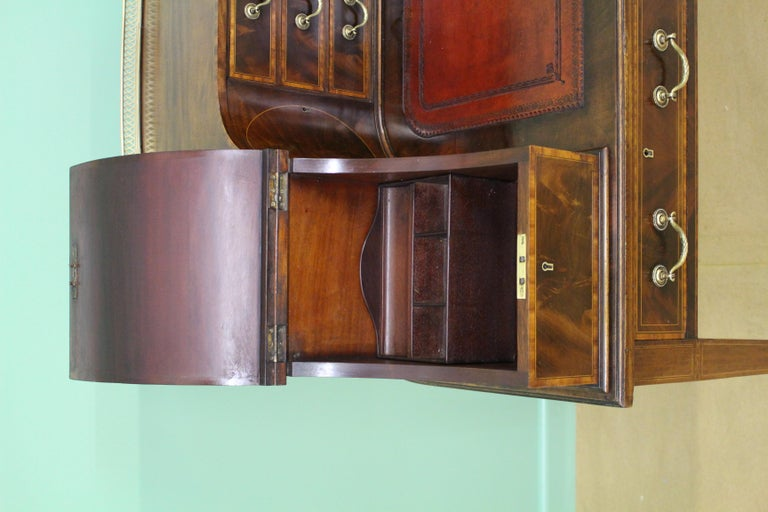 Large Inlaid Mahogany Carlton House Desk by Jas Shoolbred and Co. For Sale 4