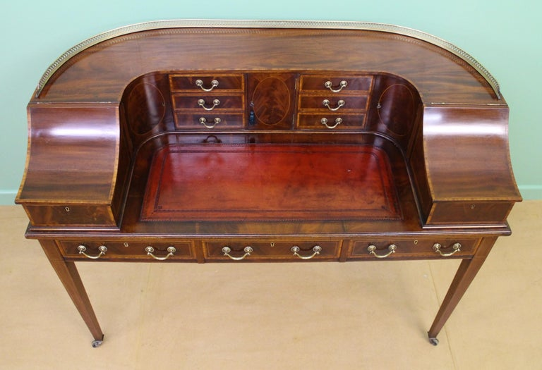 Large Inlaid Mahogany Carlton House Desk by Jas Shoolbred and Co. For Sale 5