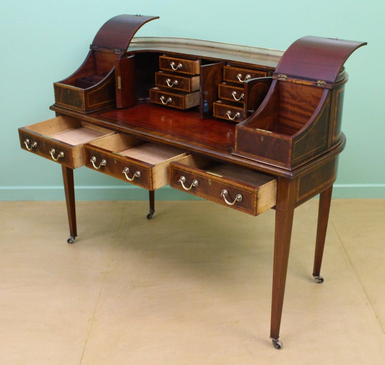 Large Inlaid Mahogany Carlton House Desk by Jas Shoolbred and Co. For Sale 7