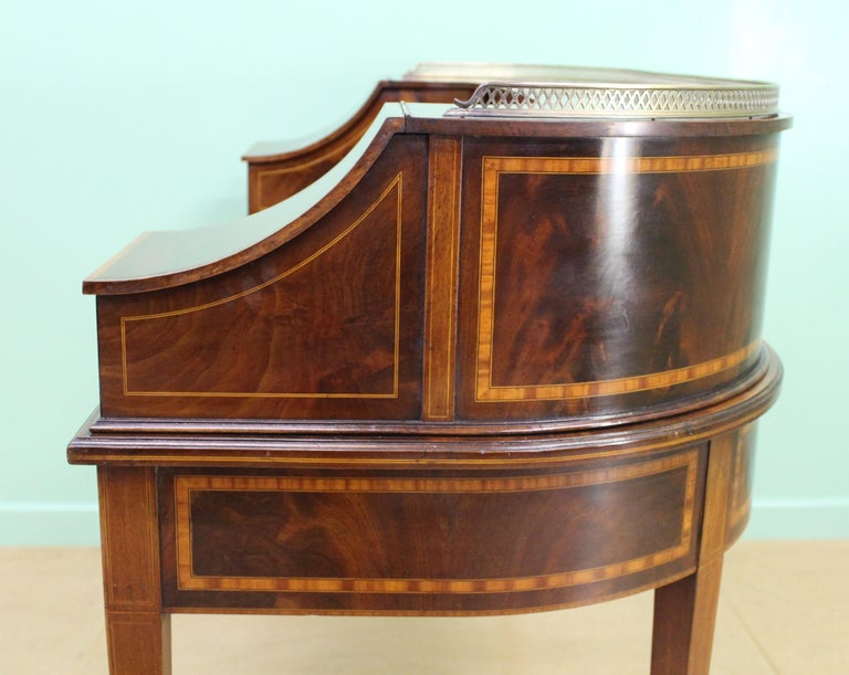 Large Inlaid Mahogany Carlton House Desk by Jas Shoolbred and Co. For Sale 9