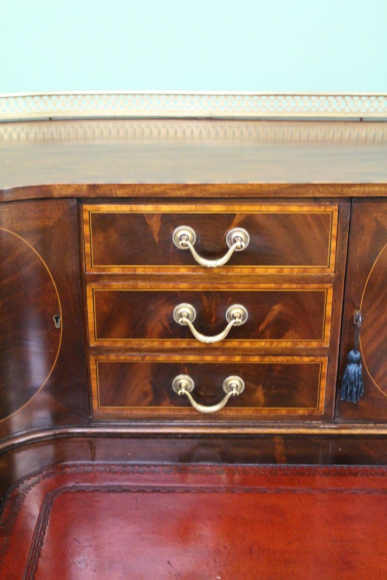 Large Inlaid Mahogany Carlton House Desk by Jas Shoolbred and Co. For Sale 1