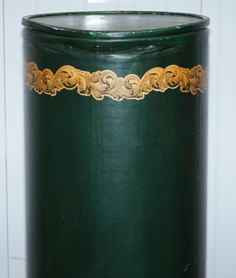 Large Irish Green Pedestal Drum Stand with Picture of a Victorian Lady on For Sale 1