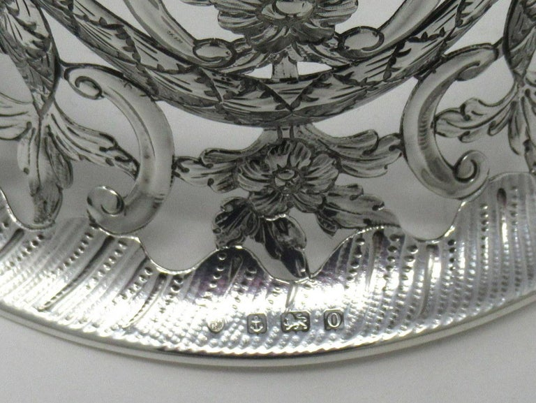 Large Irish Style Sterling Silver Dish Ring Birmingham 1913 Williams Ltd 14 ozs In Good Condition For Sale In Dublin, Ireland