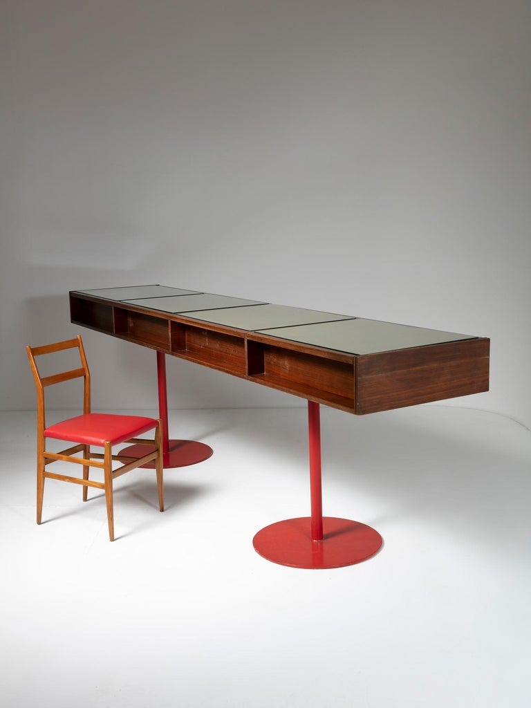 Large Italian 1960s Wood Counter In Good Condition In Milan, IT