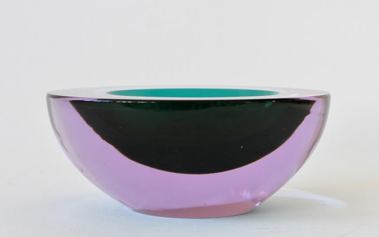 Large Italian Alexandrite and Green Sommerso Murano Glass Bowl, Dish or Ashtray For Sale 4
