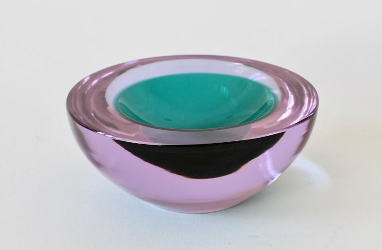 Large Italian Alexandrite and Green Sommerso Murano Glass Bowl, Dish or Ashtray For Sale 3