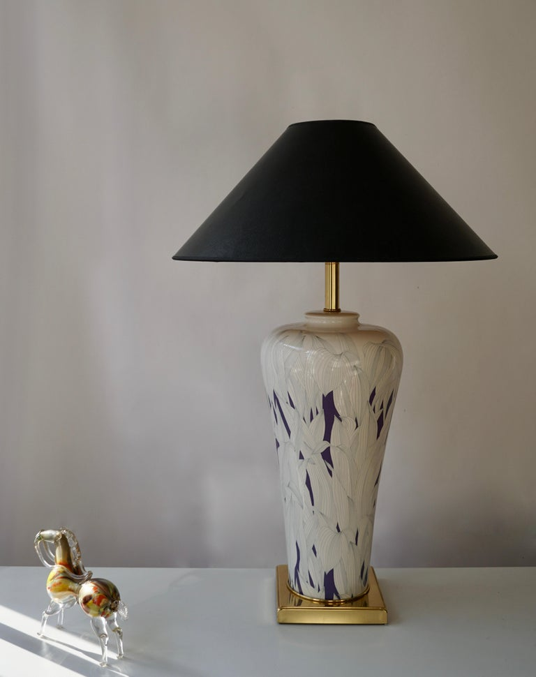 20th Century Large Italian Hollywood Regency Style Brass and Ceramic Table Lamp, 1970s For Sale