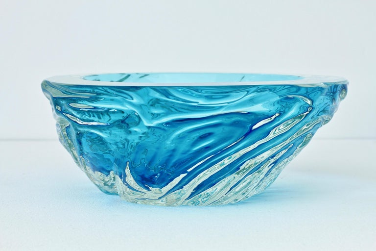 Mid-Century Modern Large Italian Blue 'Sommerso' Murano Glass Bowl Maurizio Albarelli Attributed For Sale