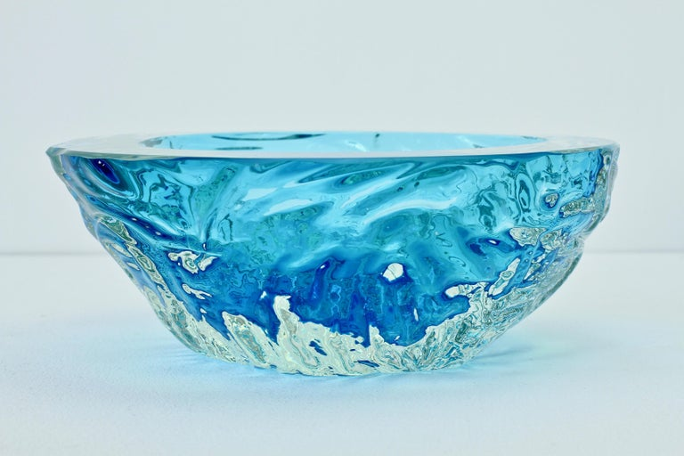 20th Century Large Italian Blue 'Sommerso' Murano Glass Bowl Maurizio Albarelli Attributed For Sale