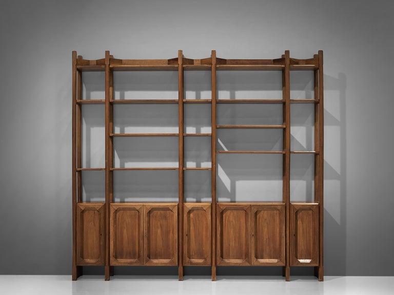 Large Italian Bookcase with Cabinets and Carved Details in Walnut In Good Condition For Sale In Waalwijk, NL
