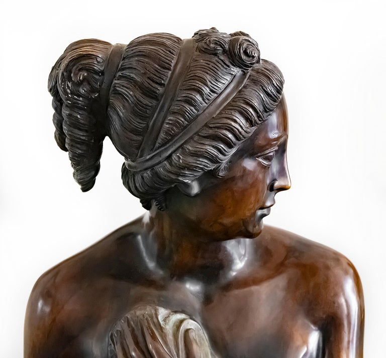 Large Italian Bronze Female Sculpture on Green Marble Base, circa 1950 In Good Condition For Sale In Vilnius, LT