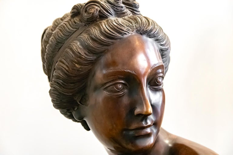 Large Italian Bronze Female Sculpture on Green Marble Base, circa 1950 For Sale 2