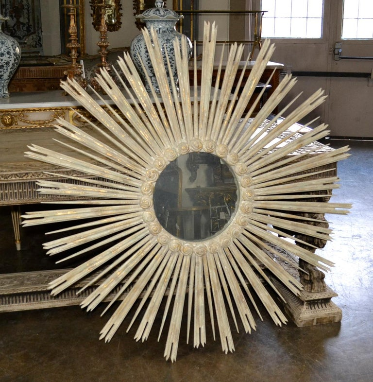 Large Italian Carved Sunburst Mirror In Good Condition For Sale In Dallas, TX