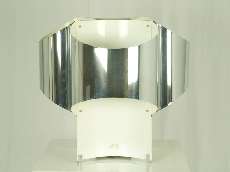 Mid-20th Century Large Italian Four-Light Chromed and Painted Metal Table Lamp For Sale