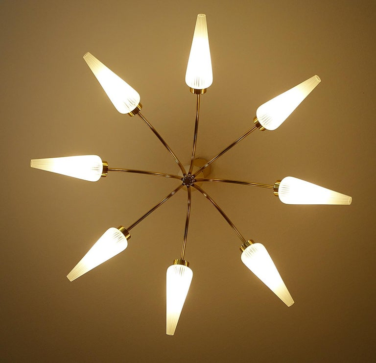 Large Italian  MidCentury Brass Glass Sputnik Chandelier, Stilnovo Gio Ponti Era For Sale 5