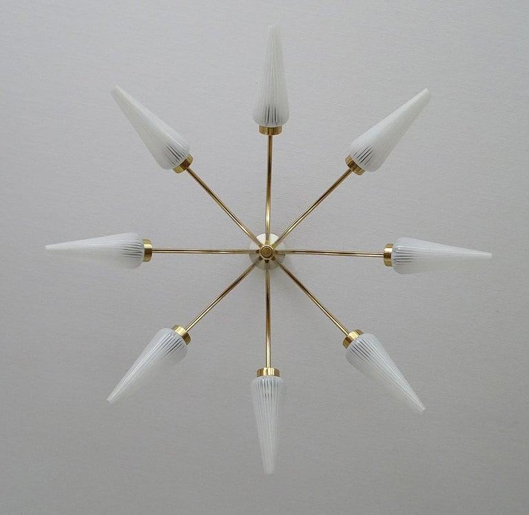 Large Italian  MidCentury Brass Glass Sputnik Chandelier, Stilnovo Gio Ponti Era For Sale 6