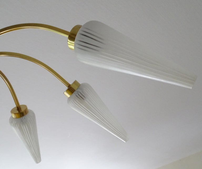 Large Italian  MidCentury Brass Glass Sputnik Chandelier, Stilnovo Gio Ponti Era For Sale 13