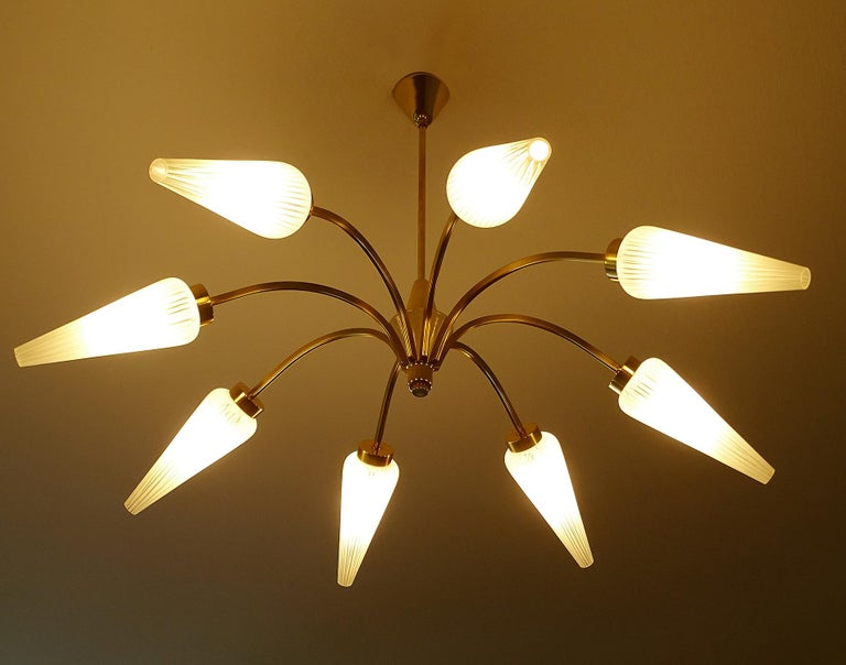 Large Italian  MidCentury Brass Glass Sputnik Chandelier, Stilnovo Gio Ponti Era For Sale 2