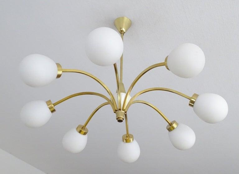 Large Italian Midcentury Brass Glass Sputnik Chandelier, Stilnovo Gio Ponti Era For Sale 2