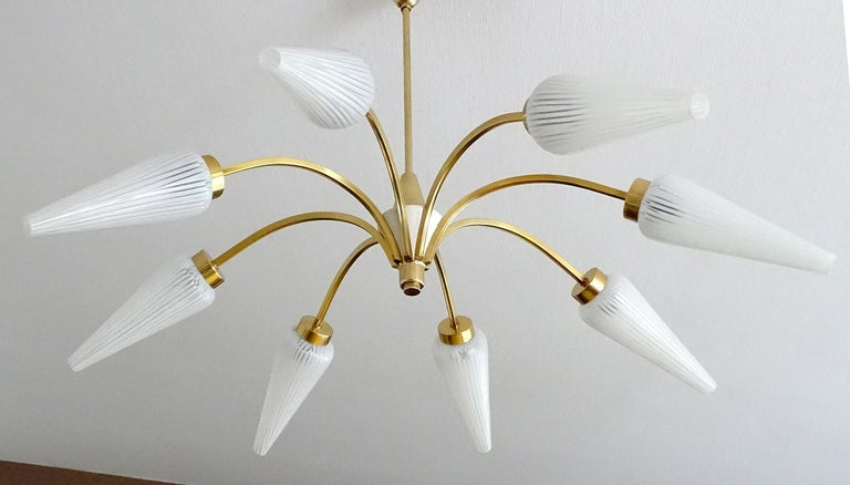 Large Italian  MidCentury Brass Glass Sputnik Chandelier, Stilnovo Gio Ponti Era For Sale 4